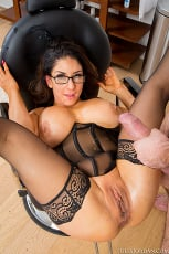 Raven Hart - MILF Private Fantasies (Thumb 03)