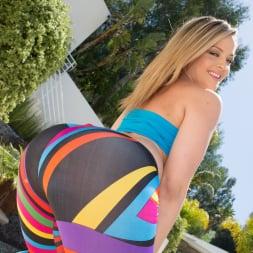 Alexis Texas in 'Jules Jordan' Super Bubble Butt (Thumbnail 1)