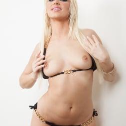Anikka Albrite in 'Jules Jordan' Anikka Albrite, Manuel Ferrara Tell Me How My Ass Tastes (Thumbnail 12)