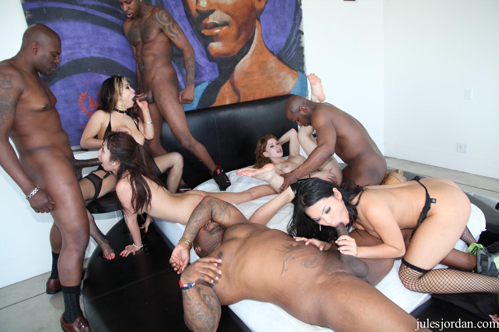 Free asian orgy porn pics