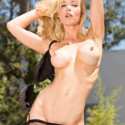 Kayden Kross in 'Jules Jordan' Manuel Creampies Their Asses 3 (Thumbnail 24)