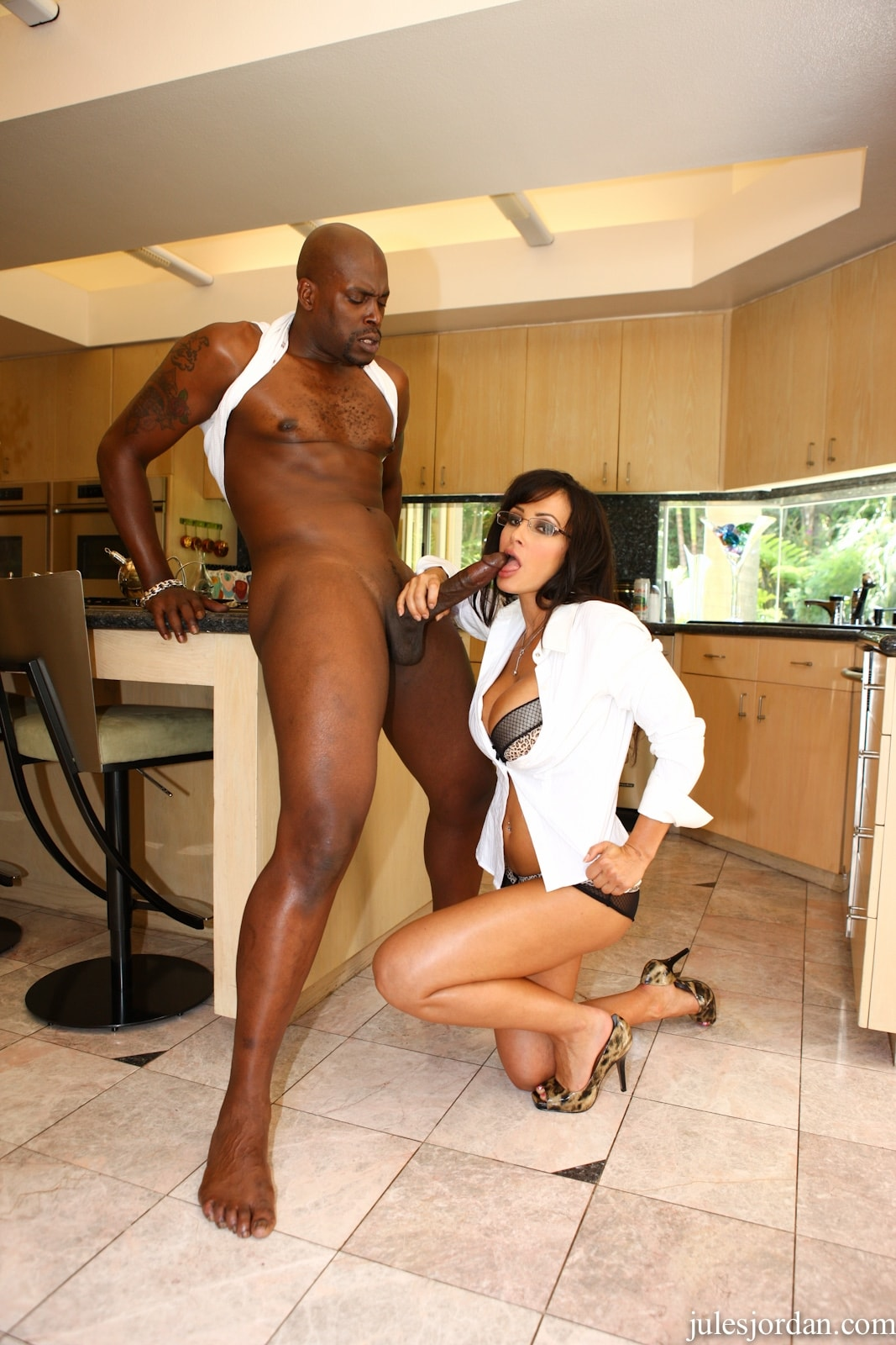 Jules Jordan 'vs Lex Monster Cock Interracial Sex' starring Lisa Ann (Photo 14)