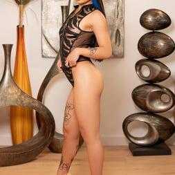 Paisley Paige in 'Jules Jordan' Exotic Honey Paisley Paige Handles Two Cocks Like A Boss (Thumbnail 6)