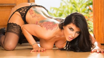 Romi Rain - Romi Rain Busty Big Booty Girl In Need Of An Oil Change