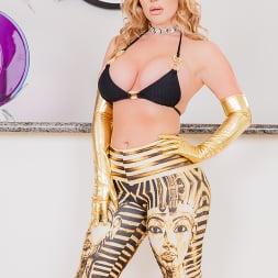 Savannah Bond in 'Jules Jordan' Ass Goddess Savannah Bond Worships 12 Inches Of Steel Cock (Thumbnail 1)