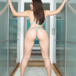 Valentina Nappi in 'Jules Jordan' Anal Natural Wet Big Tits (Thumbnail 16)
